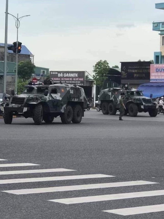 L'armée de Hanoï entre à Saïgon 1