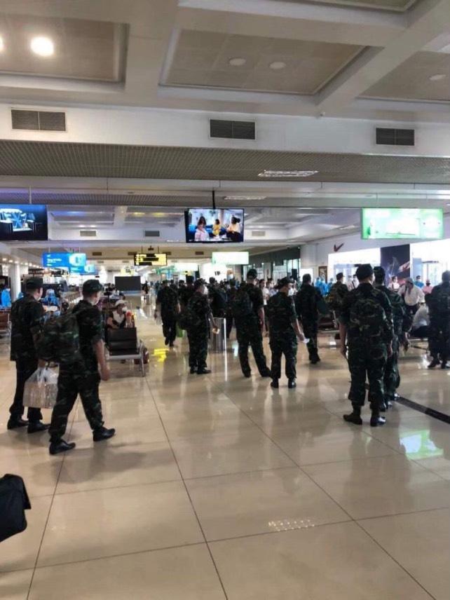 L'armée de Hanoï entre à Saïgon 3